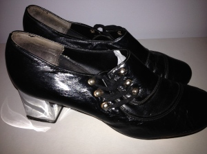 60s leather silver heeled brogues. Very small, approx size 5-6. Great condition. $30 plus postage