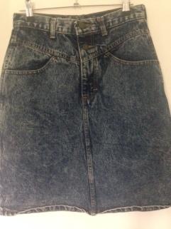 Highwaisted stone/acid wash denim skirt. Labelled size US 9. $35